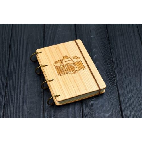 """Блокнот А6 """"Фотоапарат"""" з натурального дерева на кільцях. Записна книжка. Альбом для малювання. Щоденник."""